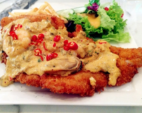 (Fish) Fish & Chips with Tom Yum Sauce